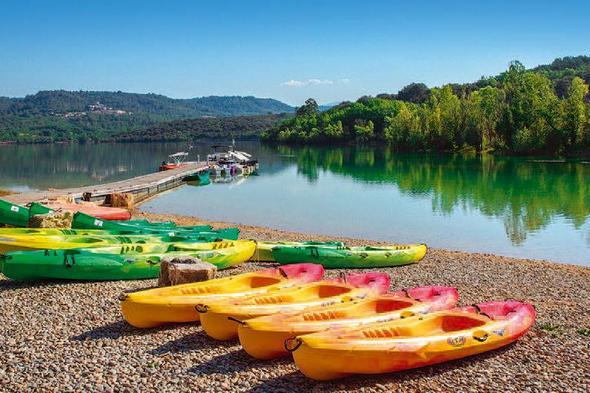 Quels sont les meilleurs attraits touristiques à voir aux alentours du camping La Farigoulette ?