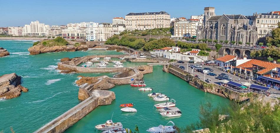 Biarritz, la ville du camping et des loisirs