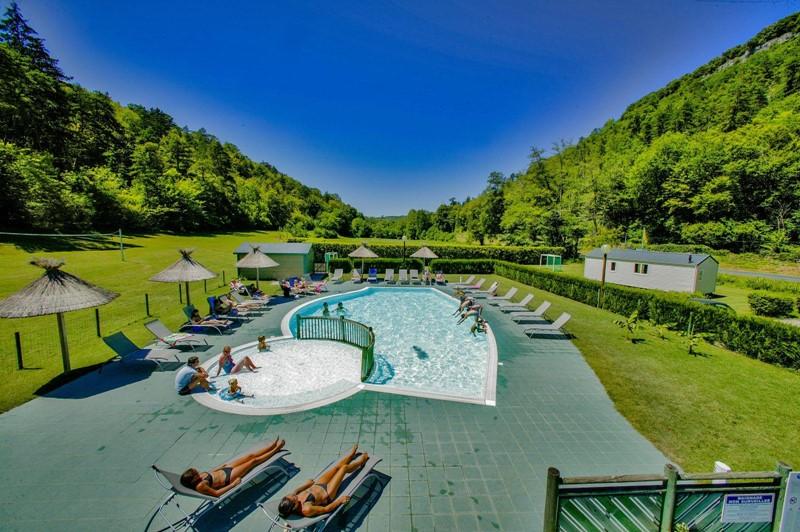 Comment camper à peu de frais en Dordogne ?