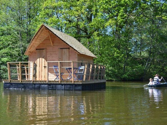 Cabane sur l'eau : un logement atypique où passer un séjour original